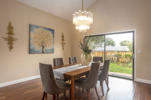 Dining Area - 360 Apricot Ln