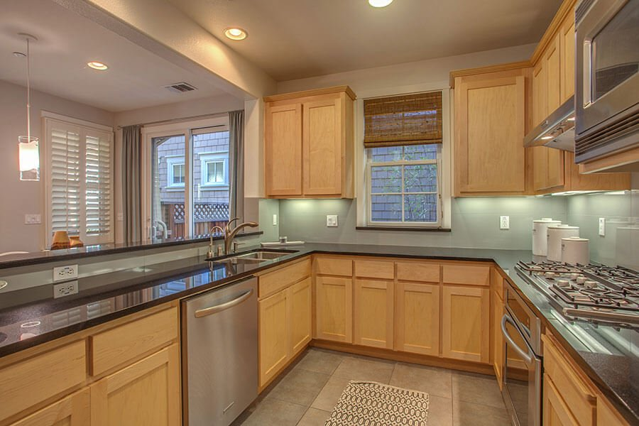 Kitchen - 212 Morgan Lane