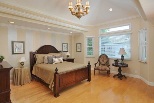 Large Master Suite - 1710 Holt Ave