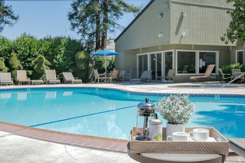 Poolside - 2258 Almaden Rd Unit B