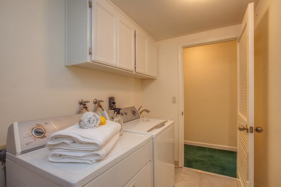 Laundry Room - 926 La Mesa Terrace