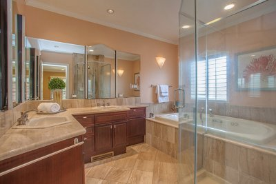 Master Bathroom - 1400 Montclaire Place
