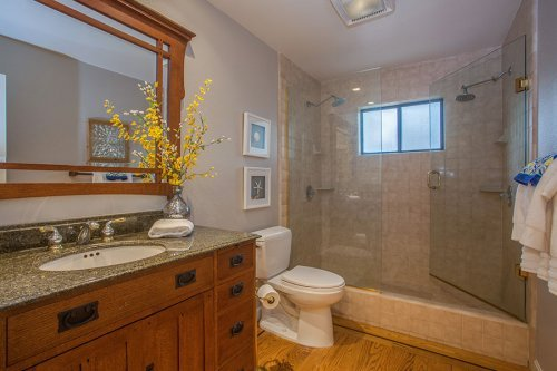 Master Bathroom - 1720 Holt Ave
