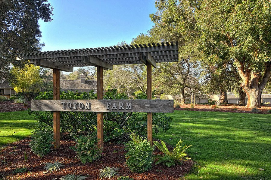 Toyon Sign - 43 Woods Lane