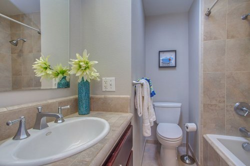 Full Bathroom - 1720 Holt Ave