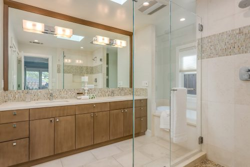 Master Bathroom - 1470 Montclaire