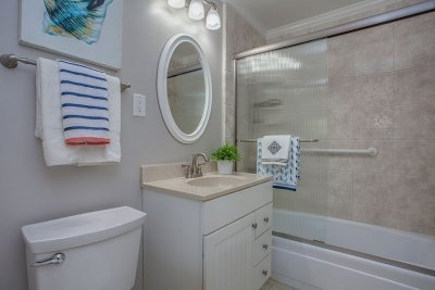Hall Bathroom - 1936 Churton Ave