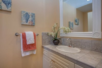 Powder Room - 1400 Montclaire Place