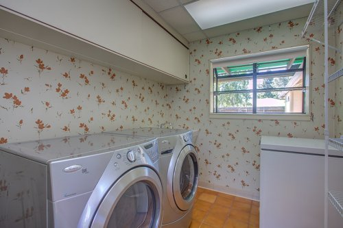 Laundry Room - 339 Hawthorne Ave