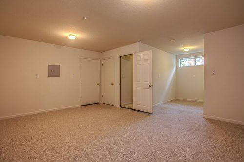 Large Bonus Room - 422 Camille Circle