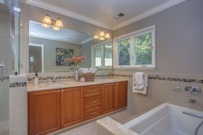 Master Bathroom -1939 Newcastle Dr