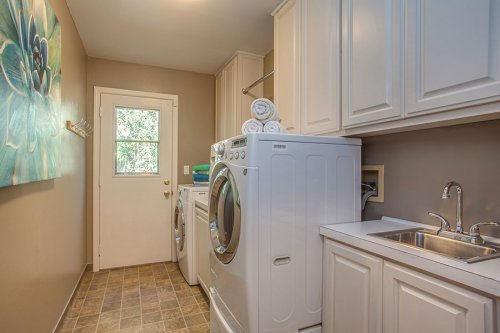 Laundry Room - 1731 Juarez Ave